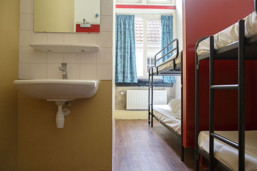 4 bed male dorm